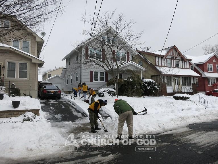 Neighborhood Snow Cleanup